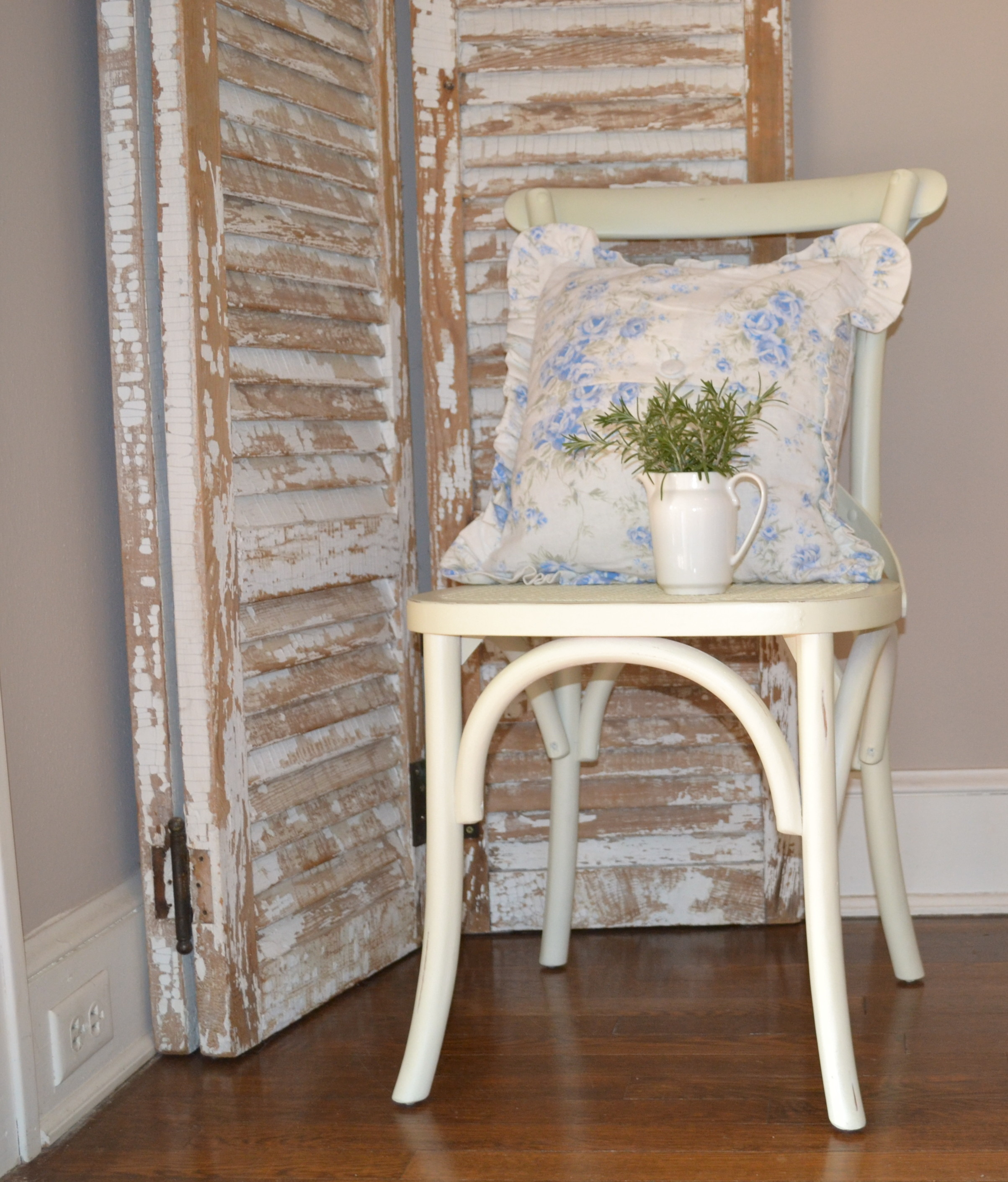 dining chair with pillow