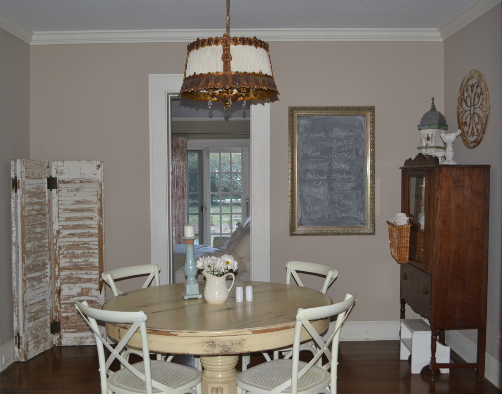 dining room before painting the furniture