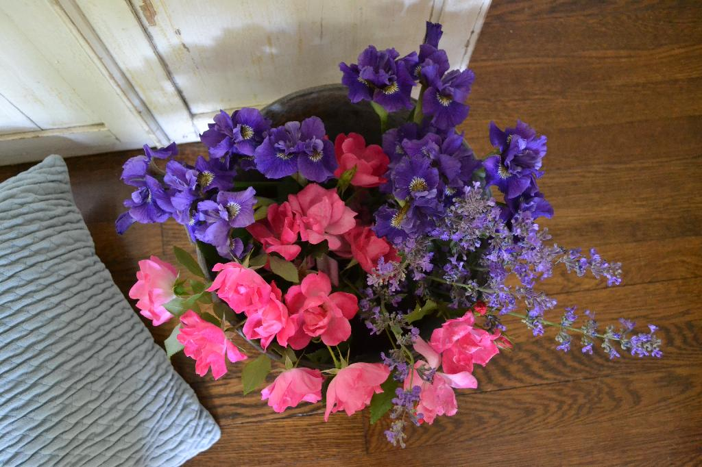 Cottage Fix blog - pink and purple flowers in a large bucket