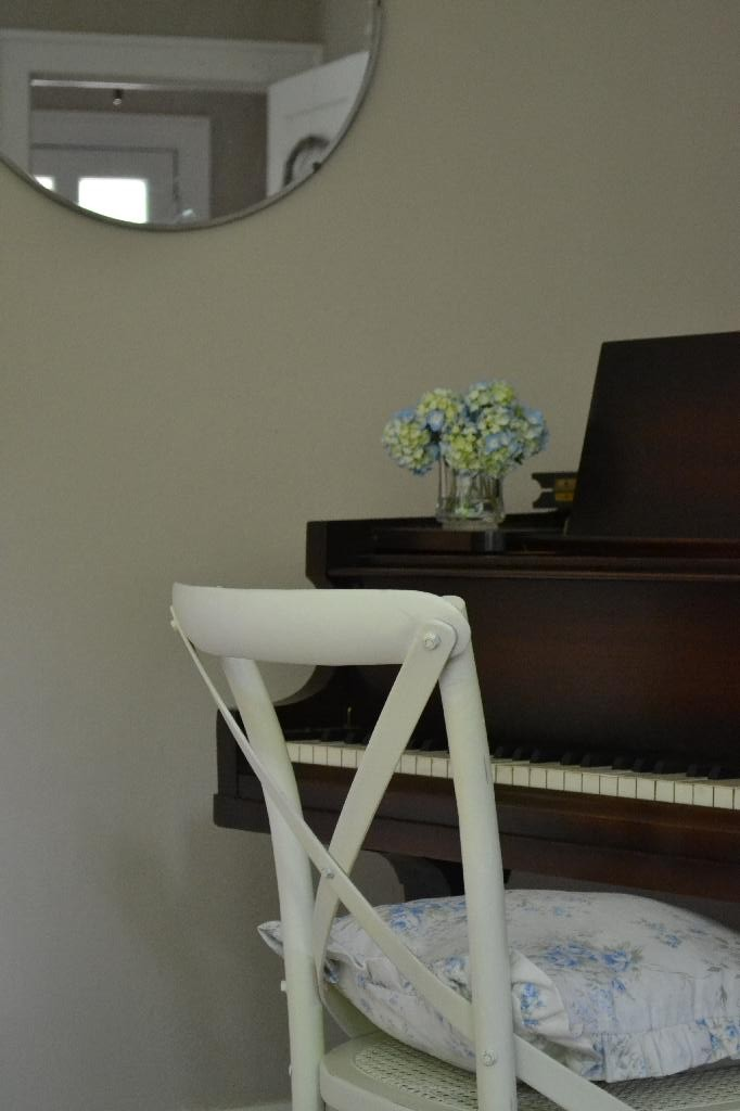 Cottage Fix -vintage piano with mirror and hydrangea