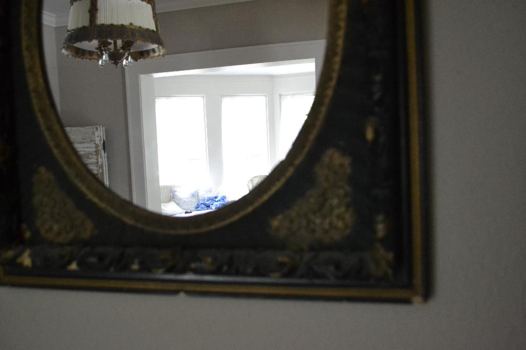 Cottage Fix -vintage mirror in the dining room for shabby cottage style