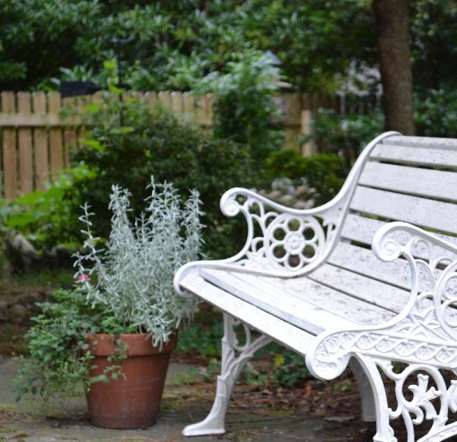 Cottage Fix blog - cottage garden bench