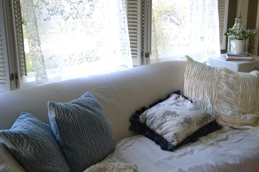 Cottage Fix - lace curtains wafting in the breeze