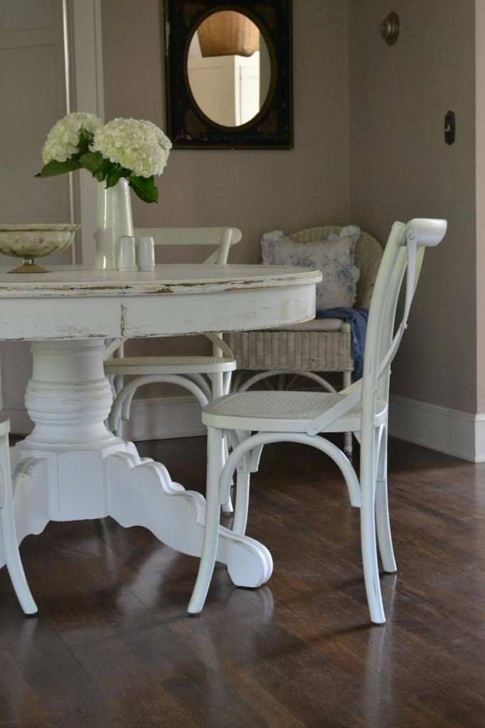 Cottage Fix - dining room with cross back chairs