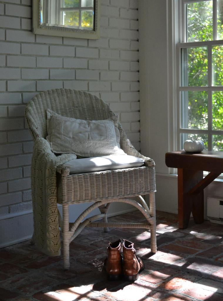 Cottage Fix - white sun porch