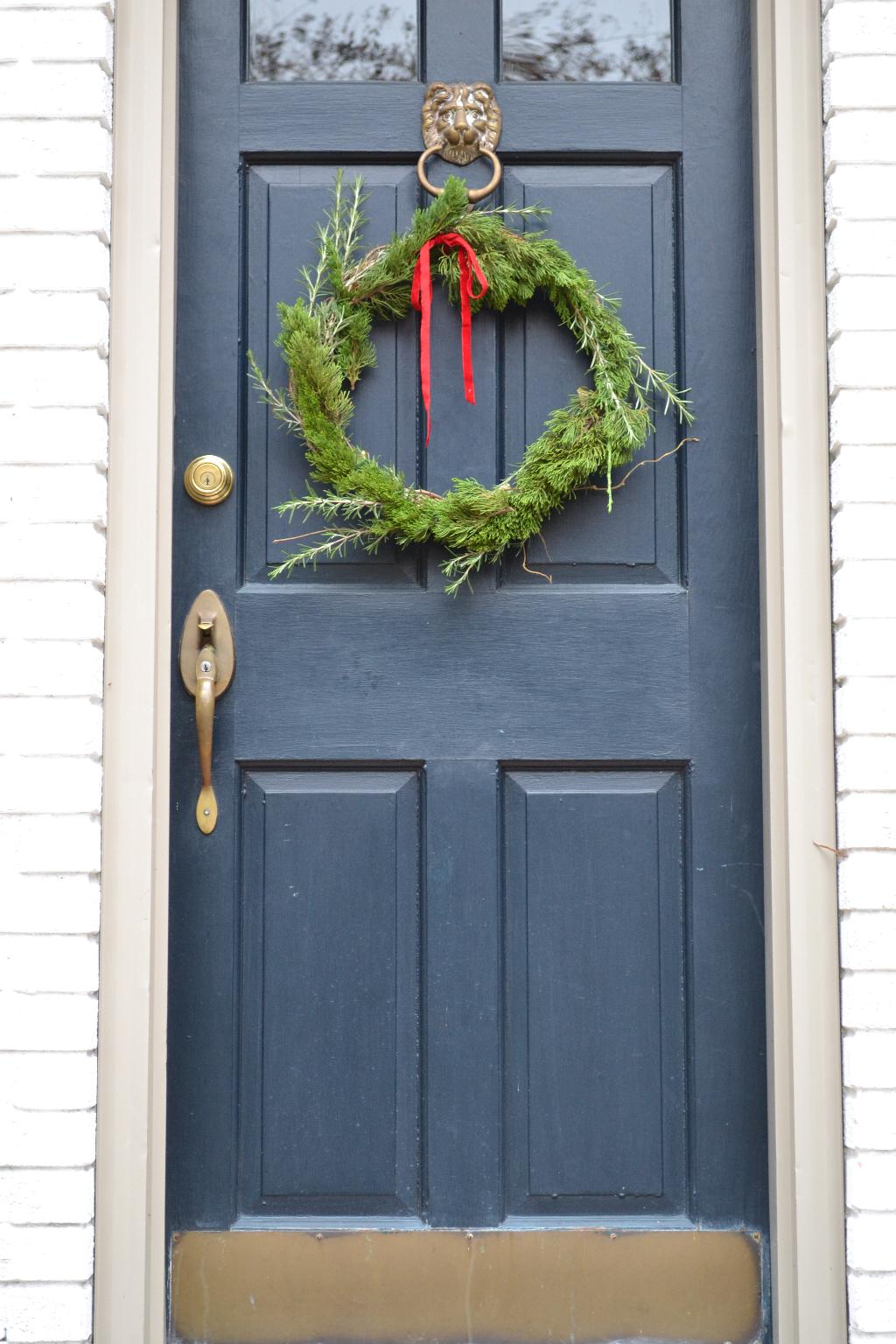 Cottage Fix - DIY Christmas wreath of juniper and rosemary