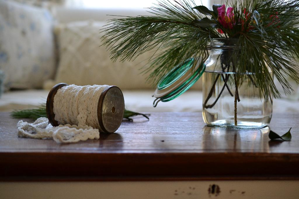 Cottage Fix - fresh garden pine and ribbon