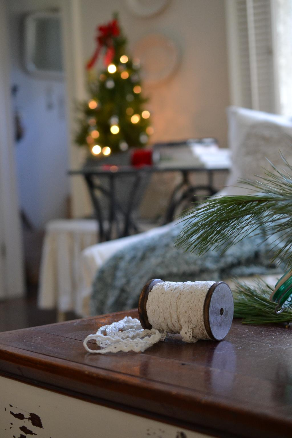Cottage Fix - ribbon and Christmas