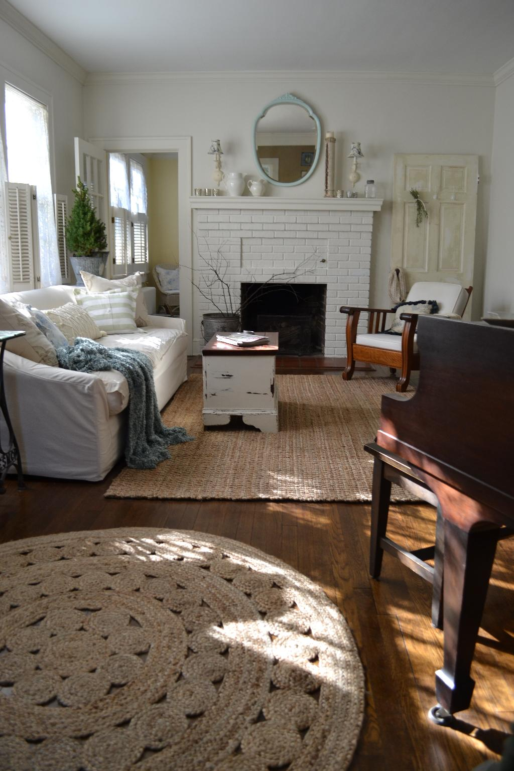 Cottage Fix - cottage living room with natural fiber rugs