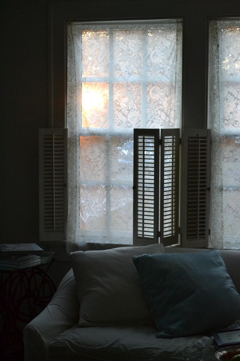 Cottage Fix - sunshine through the lace curtain