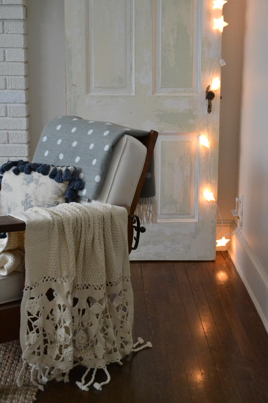Cottage Fix - chippy paint door and starry twinkle lights