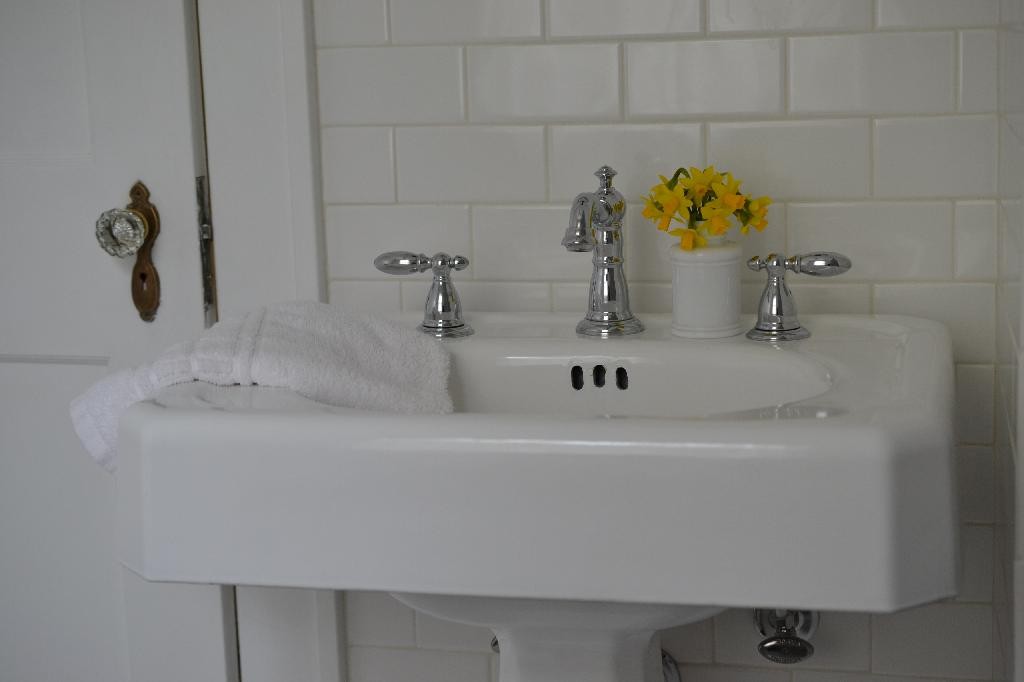Cottage Fix - refinished vintage sink with chrome Delta faucet