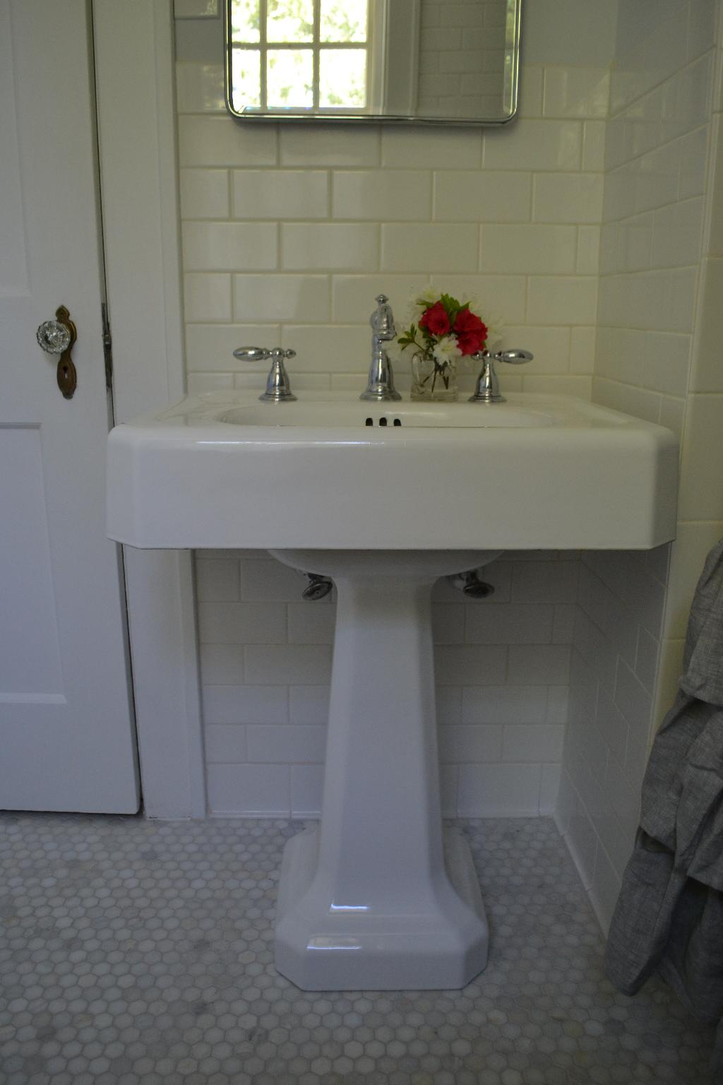 Cottage Fix blog - reglazed vintage sink with new faucet