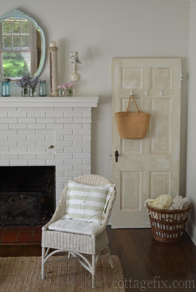 Cottage Fix blog - spring mantle