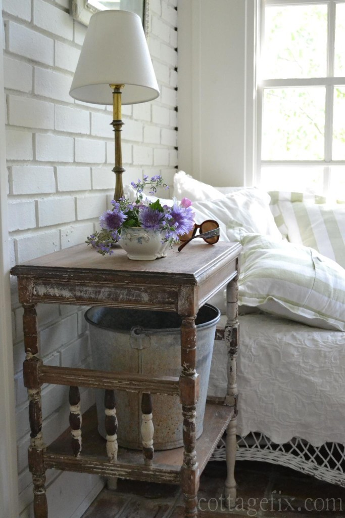 Cottage Fix blog - shabby chic reading corner