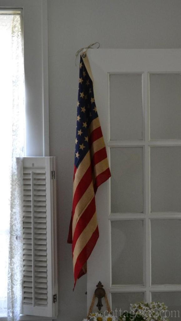 Cottage Fix blog - the vintage American flag