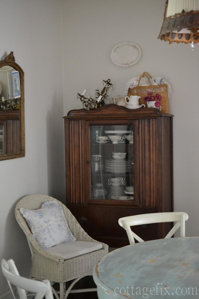 Cottage Fix blog - late summer styling in the dining room