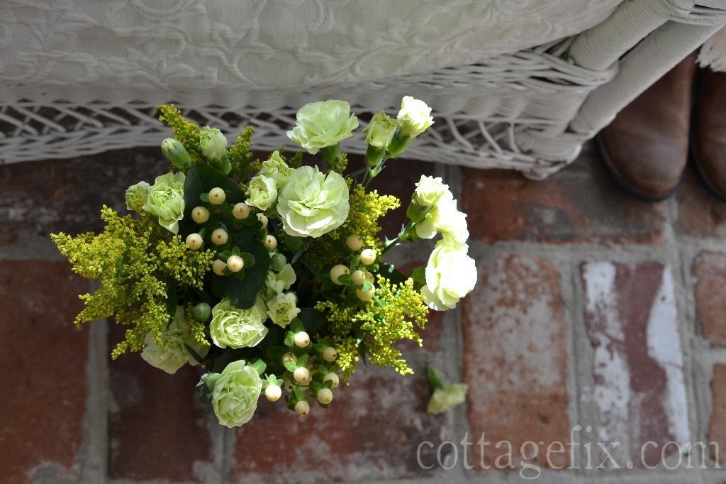 Cottage Fix blog - Friday Flower Power, bright chartreuse bouquet