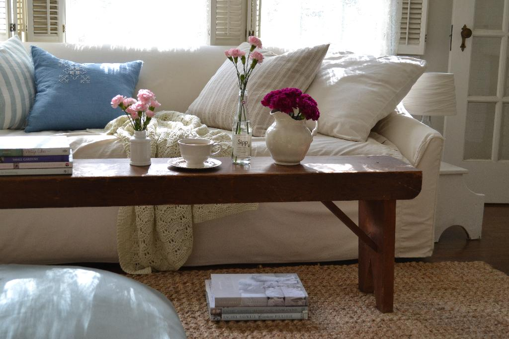 My Farmhouse Bench Poses As A Coffee Table Cottage Fix