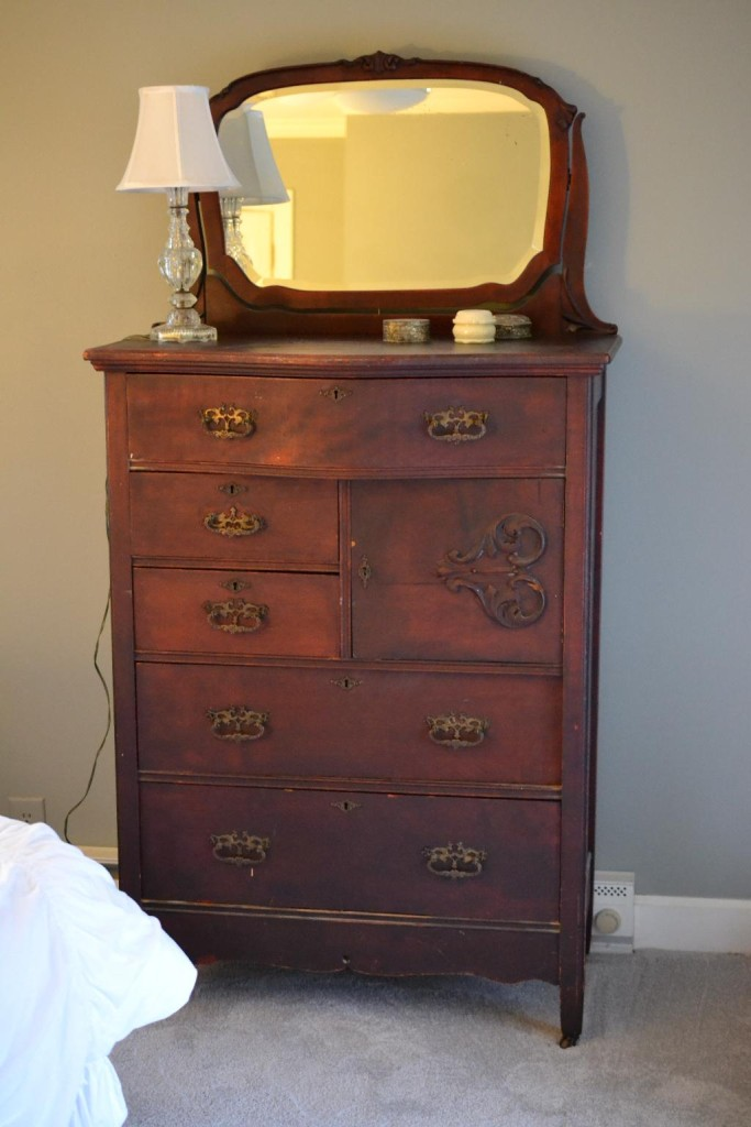Cottage Fix blog - dresser before painting