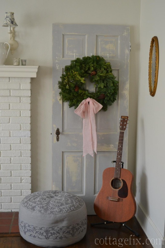 Cottage Fix blog - Christmas wreath and a pouf