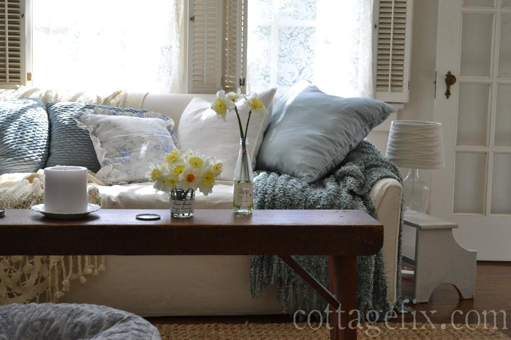 Cottage Fix blog - cottage pillows and daffodils