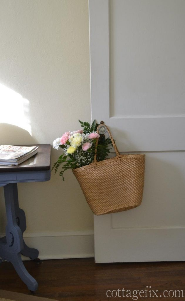 Cottage Fix blog - pale carnation bouquet in a straw tote