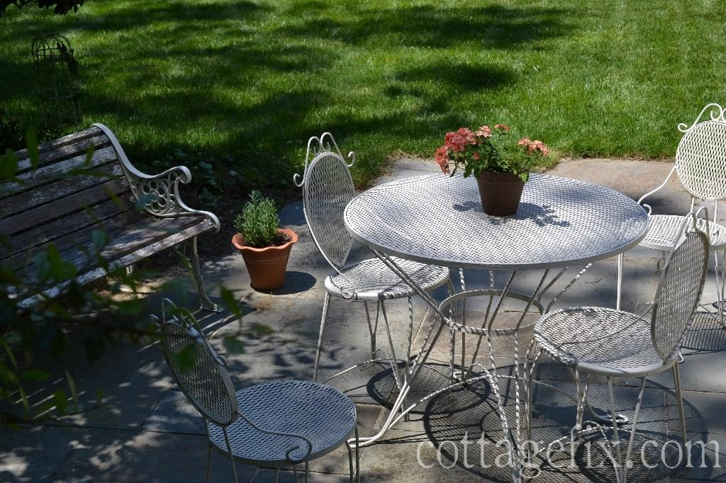 Cottage Fix blog - vintage wrought iron outdoor table and chairs