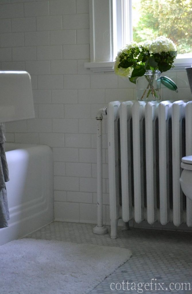 Cottage Fix blog - summer whites cottage bathroom