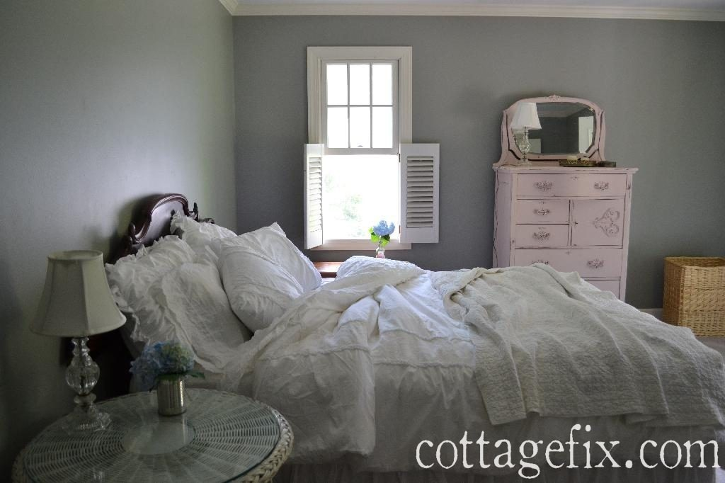 Cottage Fix blog - shabby cottage bedroom