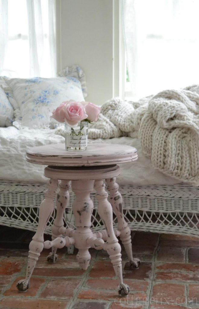 Cottage Fix blog - pink stool using Antoinette Annie Sloan chalk paint