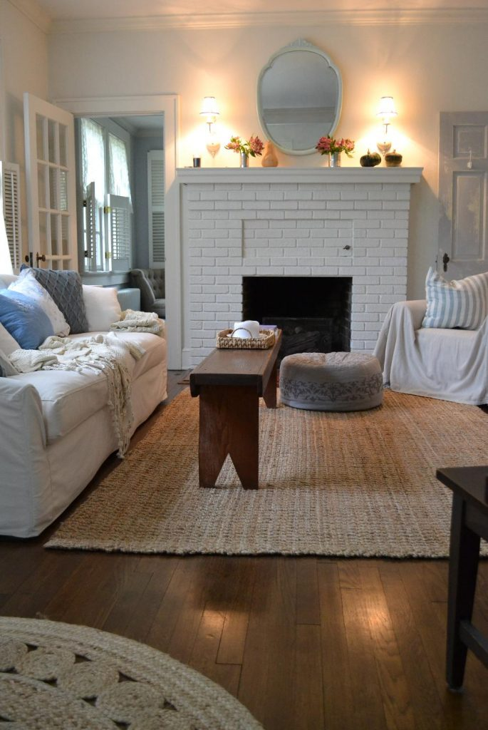 Cottage Fix blog - living room with shabby fall decoration
