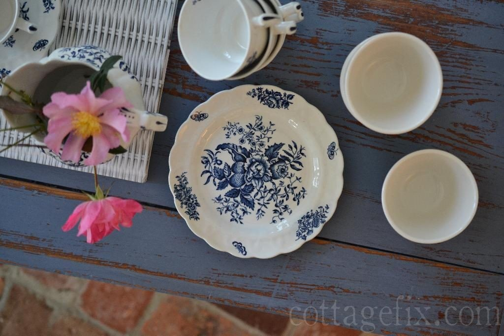 Cottage Fix blog - vintage dishes