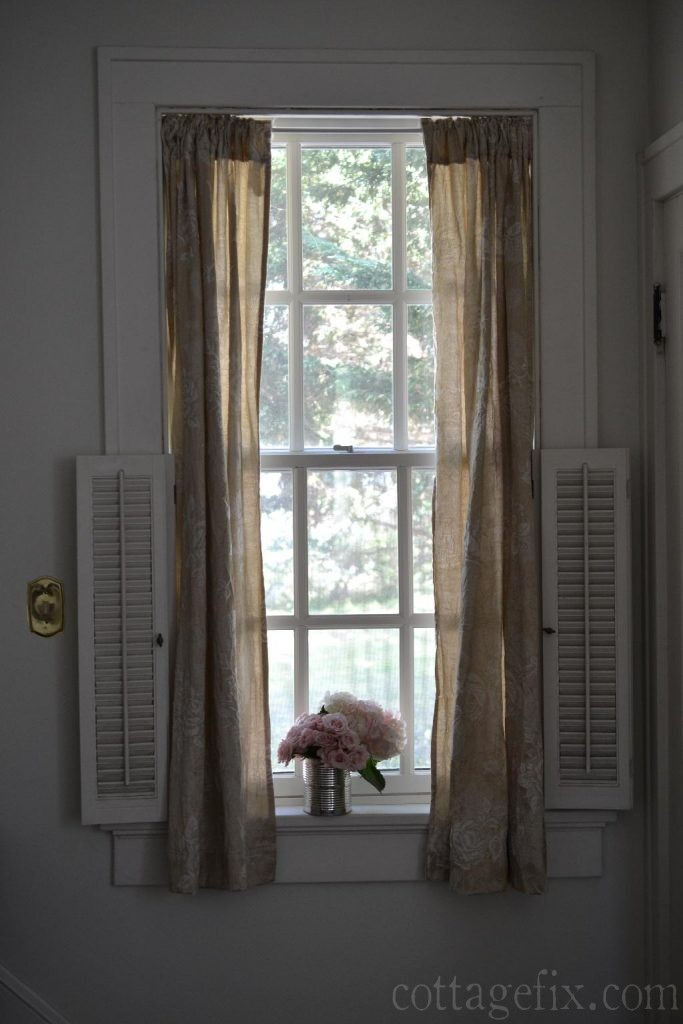 Cottage Fix blog - taupe drapes and pink bouquet