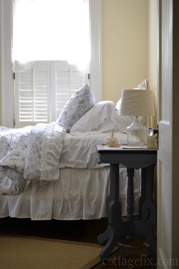 Cottage Fix blog - blue and white in the guest room