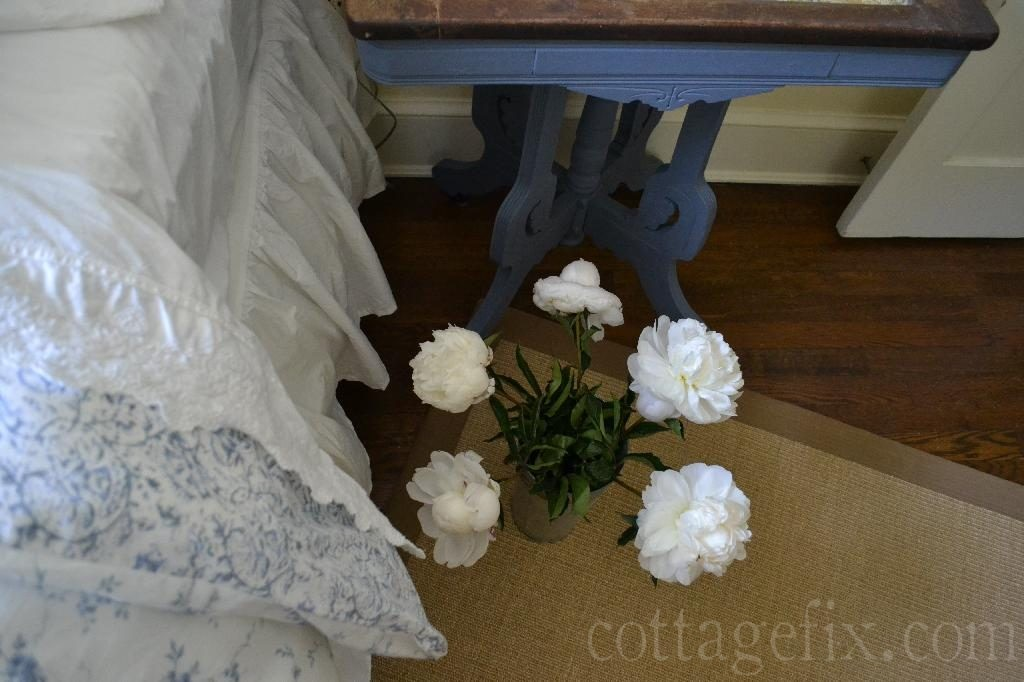 Cottage Fix blog - white peonies and Old Violet painted side table
