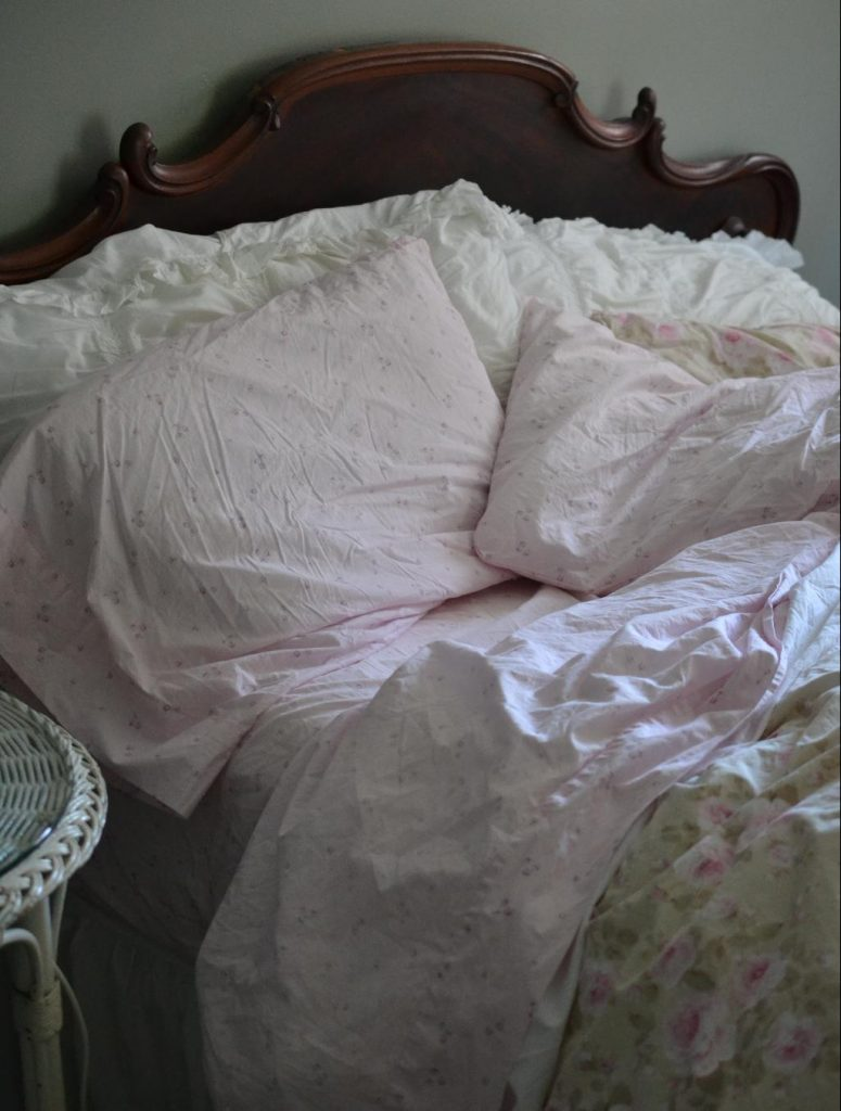 Cottage Fix blog - pink sheets