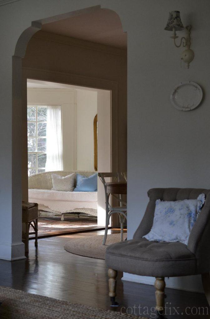 Cottage Fix blog - blue and white color palette