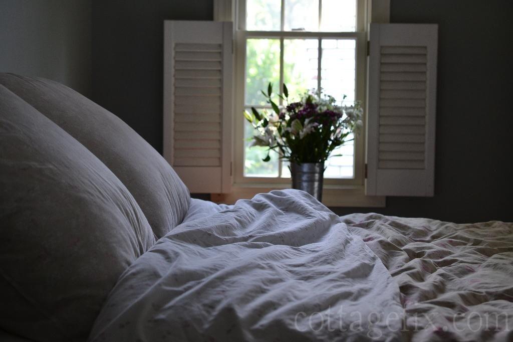 Cottage Fix blog - rumpled bedding