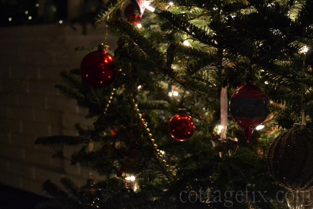 Cottage Fix blog - baubles adn lights