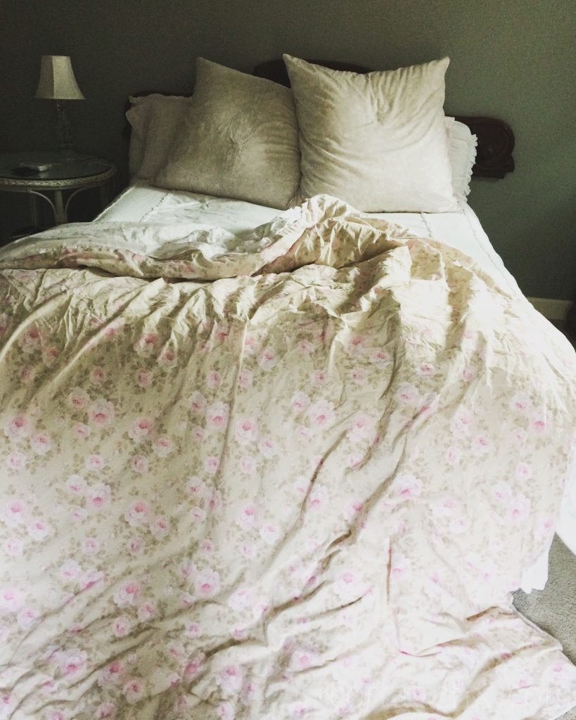 Cottage Fix blog - floral shabby chic bedding
