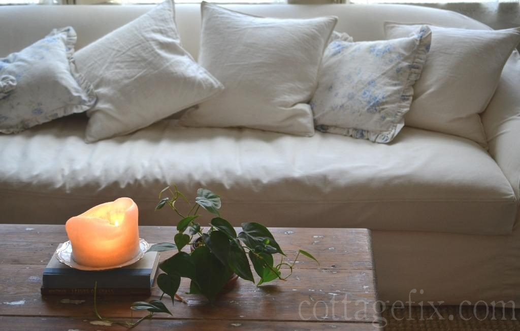 Cottage Fix blog - simple coffee table styling for new year