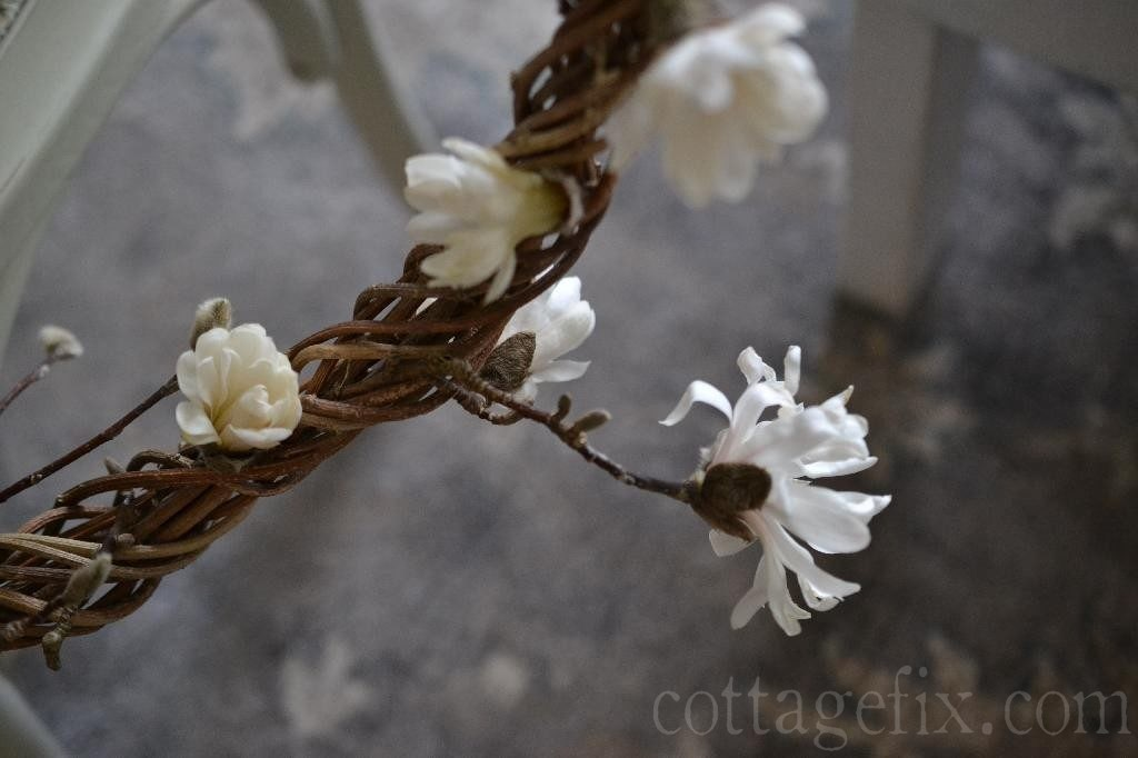 Cottage Fix blog - magnolia blooms in a wreath