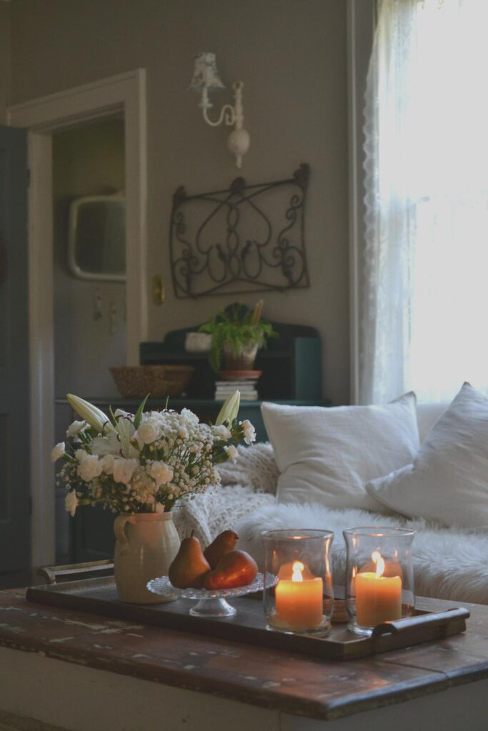 Cottage Fix blog - candlelight and white flowers for fall decorating
